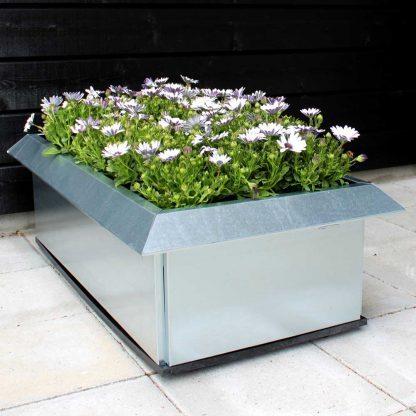 Blumenkasten mit Schneckenzaun und Bodenplatte aus Land Hochbeet