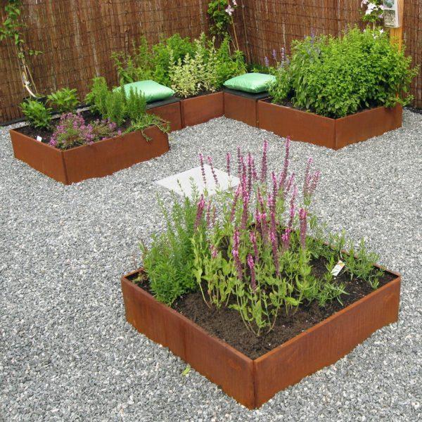 Lisbeth Hviid Hochbeete-Set und quadratisches Blumenkasten aus Land Hochbeet